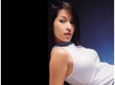 萧亚轩宣告脸部手术成功 与男友零互动疑未和好